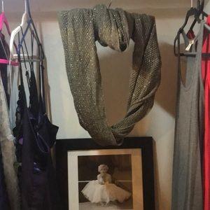 Steve Madden infinity scarf, NWT.  Gray sparkle